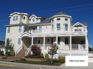 Beautiful 6 bedroom Avalon House with Deck - Avalon vacation rentals