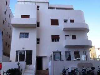 Prime location facing the tel aviv beach - Tel Aviv vacation rentals