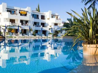 TWO BEDROOM APARTMENT STANDARD IN RESORT JUST 500 METRES FROM MARIA LUÍSA BEACH REF. BALGOL110373 - Albufeira vacation rentals