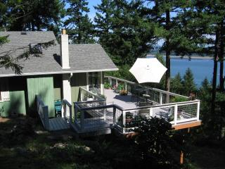 Perfect 3 bedroom Lummi Island House with Waterfront - Lummi Island vacation rentals
