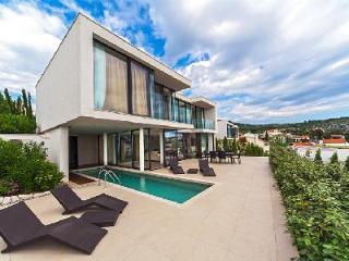 Modern haven Villa Victoria with sea view, chic indoor/outdoor pool & green roof - Primosten vacation rentals