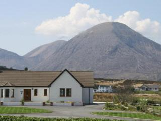 Bright Cottage in Broadford with Central Heating, sleeps 6 - Broadford vacation rentals