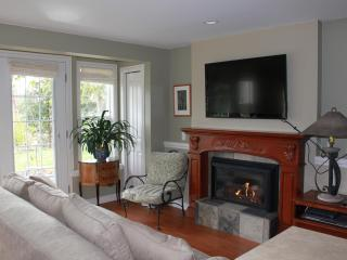 Victoria Vacation Rental at Foxgloveden - Victoria vacation rentals
