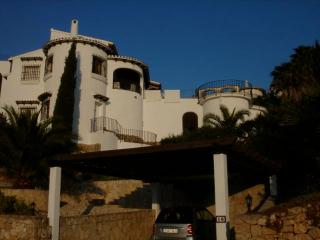 STUNNING VILLA MOUNTAINS, SEA & ORANGE GROVES - Gandia vacation rentals