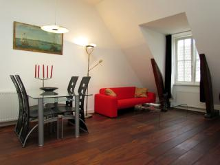 AMS One Bedroom in Dam Square - Key 57 - Amsterdam vacation rentals
