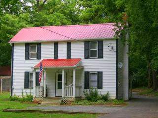 Jubal Early Cottage Historic Rosemont Manor Estate - Berryville vacation rentals