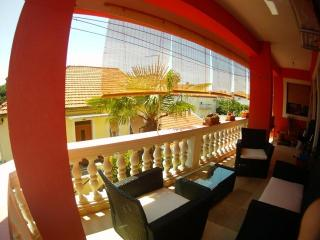 Apartment Zara Mia - roomy and cozy, 10-15 min. walk from city center - Zadar vacation rentals