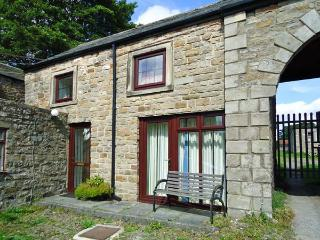 UNICORN COTTAGE, pet-friendly cottage, close to village pub, near walks, in Bowes, Ref. 25913 - Bowes vacation rentals