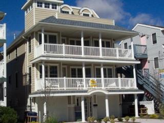 1404 Ocean Avenue 2nd & 3rd 35590 - Ocean City vacation rentals