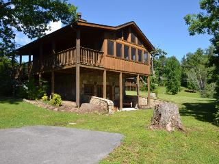 SMOKEY TRAILS - Sevierville vacation rentals
