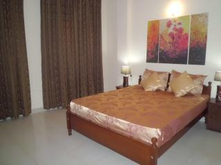 3 bedroom luxury appartment for rent (value for Money) - Colombo vacation rentals