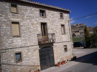 Rural comfort, great views 110k south of Barcelona - Fores vacation rentals