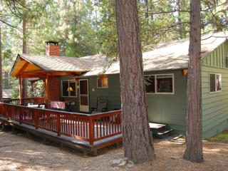 Cozy 2 bedroom House in Wawona with Television - Wawona vacation rentals