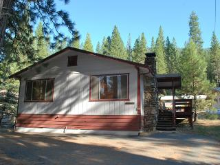 Wonderful House with Television and Microwave - Wawona vacation rentals