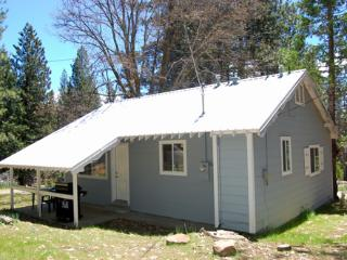 Nice 1 bedroom Wawona House with Television - Wawona vacation rentals