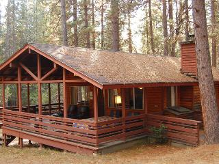 Romantic 1 bedroom Wawona House with Television - Wawona vacation rentals