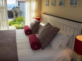 Self catering apartment in Plettenberg Bay - Plettenberg Bay Game Reserve vacation rentals