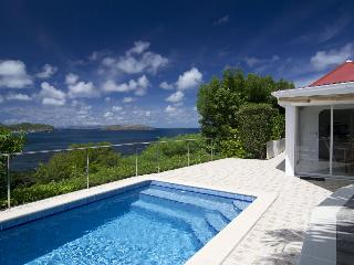 Lovely Villa with Internet Access and A/C - Camaruche vacation rentals