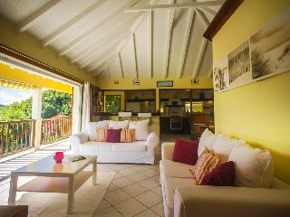 Lovely 2 bedroom Colombier Villa with Internet Access - Colombier vacation rentals