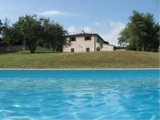 Sunny 10 bedroom Villa in Acqualagna - Acqualagna vacation rentals
