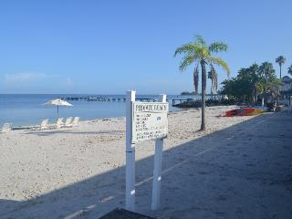 Waterfront 2 bdr 1.5 bth home,Private Beach,Tampa - Ruskin vacation rentals