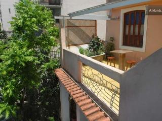 studio + varanda -vista linda Santa Teresa - Rio de Janeiro vacation rentals