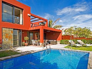 Holiday villa with private pool in Salobre Golf Resort - Maspalomas vacation rentals