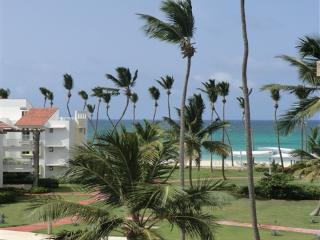 Ocean View 2BR Playa Turquesa penthouse w/loft - Punta Cana vacation rentals