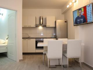 Apartments Makarska A 2+2 - Makarska vacation rentals