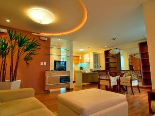 A beautiful 2 bed/2 bath Townhome at Praia Mole! - Florianopolis vacation rentals