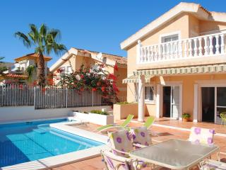 Beautiful Chalet with A/C and Satellite Or Cable TV in Puerto de Mazarron - Puerto de Mazarron vacation rentals