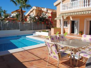 Beautiful Chalet with Garden and Television - Puerto de Mazarron vacation rentals