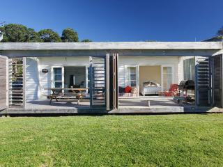 BEACHFRONT - Oneroa vacation rentals