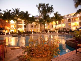 APT 5313 CORAL SUITE, THE BEACH CLUB - Palm Cove vacation rentals