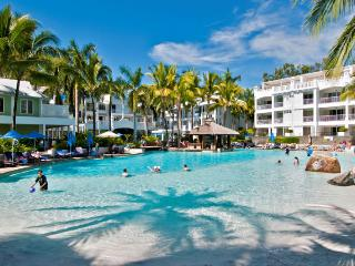 Lovely 2 bedroom Apartment in Palm Cove - Palm Cove vacation rentals