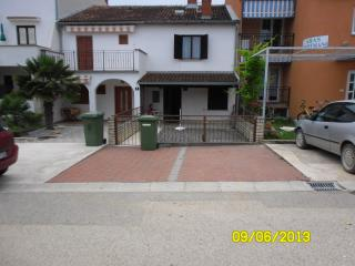 Nice 2 bedroom House in Funtana - Funtana vacation rentals