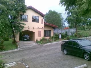 Bright 4 bedroom House in Batangas - Batangas vacation rentals