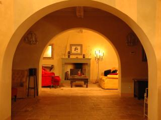 Unrivalled views, space & facilities on Lucca hill - Castelvecchio vacation rentals