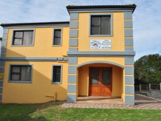 Chinaberry Lodge Self-Catering Accommodation - Eastern Cape vacation rentals
