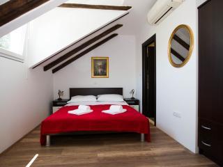 DUBROVNIK , LAPAD - VILLA MIA - Room 1 - Dubrovnik vacation rentals