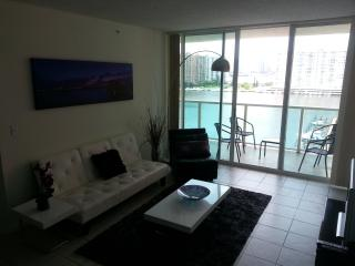 Waterfront,Beaches,Marina,Live Atmosphere,Location - Sunny Isles Beach vacation rentals