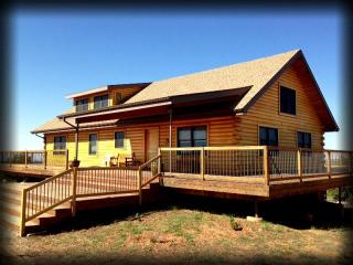 The Mustang Mesa Cabin! 3BR -Secluded & Majestic! - Blanding vacation rentals