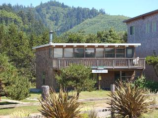 Nice 4 bedroom Neskowin House with Deck - Neskowin vacation rentals