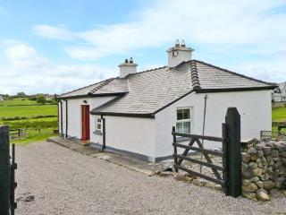 LYNSKEY'S COTTAGE, detached cottage, oil stove, rural location, near Ballyvary and Castlebar, Ref 25446 - Mayobridge vacation rentals