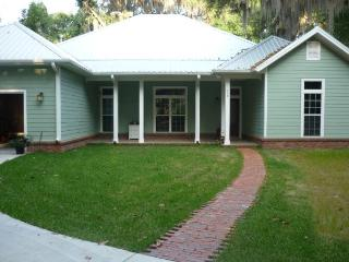 Family Friendly Lake House Retreat - Interlachen vacation rentals