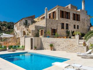 Luxurious Venitian Villa with sea vieuw and swimming pool - Rethymnon vacation rentals