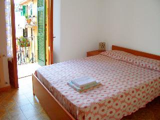 Giulia Guelfi Affittacamere Corniglia - Corniglia vacation rentals