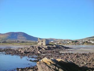 GLOR AN SRUTHAN, pet-friendly, panoramic sea views, en-suite facilities, near Ballinskelligs, County Kerry - Ballinskelligs vacation rentals