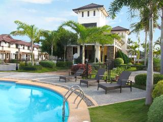 Executive Townhouse at the Courtyards - Philippines vacation rentals