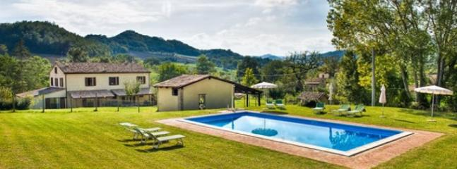 Casatic - Large farmhouse with 20 sleeps - Image 1 - Urbania - rentals